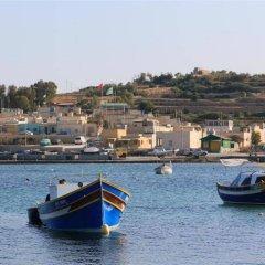 Отель Domus Luxuria - Marsascala Мальта, Марсаскала - отзывы, цены и фото номеров - забронировать отель Domus Luxuria - Marsascala онлайн приотельная территория фото 2