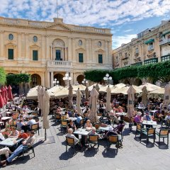 Отель Seashells Studio Seaview terrace Мальта, Буджибба - отзывы, цены и фото номеров - забронировать отель Seashells Studio Seaview terrace онлайн городской автобус