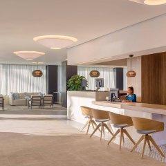 Отель H10 Casa del Mar гостиничный бар