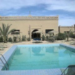 Отель Les Portes Du Desert Марокко, Мерзуга - отзывы, цены и фото номеров - забронировать отель Les Portes Du Desert онлайн бассейн