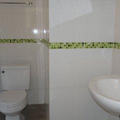 Отель MM Hill Hotel Таиланд, Самуи - отзывы, цены и фото номеров - забронировать отель MM Hill Hotel онлайн ванная