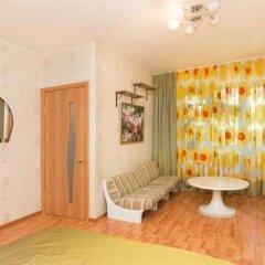Апартаменты Apartment on Blyukhera комната для гостей фото 4