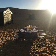 Отель Camp Under Stars - Adults Only Марокко, Мерзуга - отзывы, цены и фото номеров - забронировать отель Camp Under Stars - Adults Only онлайн интерьер отеля
