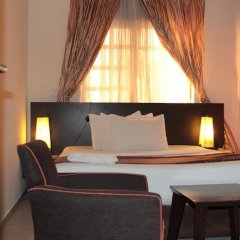 Отель Lakeem Suites Adebola комната для гостей фото 2