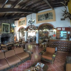 Hotel Parador St Cruz гостиничный бар