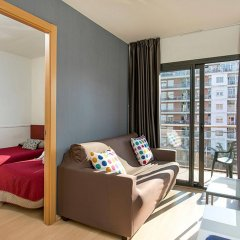 Апартаменты Apartments Sata Park Güell Area Барселона комната для гостей