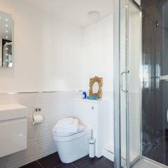 Отель Brighton Square Apartments Великобритания, Брайтон - отзывы, цены и фото номеров - забронировать отель Brighton Square Apartments онлайн ванная