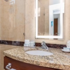 Отель Hampton Inn & Suites by Hilton Los Cabos ванная фото 2