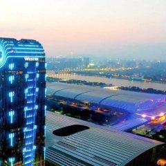 Отель The Westin Pazhou Hotel Китай, Гуанчжоу - отзывы, цены и фото номеров - забронировать отель The Westin Pazhou Hotel онлайн балкон