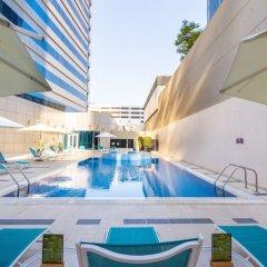 Отель Premier Inn Abu Dhabi Capital Centre бассейн фото 3