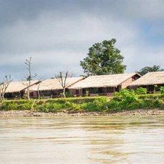 Отель Riverside @ Hsipaw Resort пляж