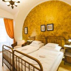 Hotel U Zlateho Jelena (Golden Deer) комната для гостей фото 3