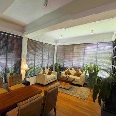 Отель Blue Water Club Suites комната для гостей