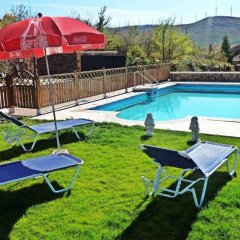 Отель Casa Rural La Yedra бассейн