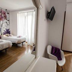 Отель Hostal Vazquez De Mella Мадрид комната для гостей фото 3