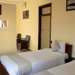 Отель Loc Phat Homestay Хойан сейф в номере