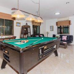 Отель Baan Kanittha - 6 Bedrooms GT Pool Villa гостиничный бар