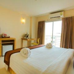 Eastiny Plaza Hotel комната для гостей
