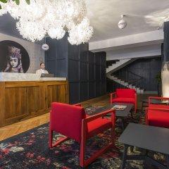 Отель Shota@Rustaveli Boutique hotel Грузия, Тбилиси - 5 отзывов об отеле, цены и фото номеров - забронировать отель Shota@Rustaveli Boutique hotel онлайн интерьер отеля