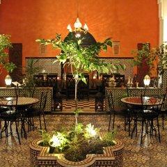Отель Riad Meftaha Марокко, Рабат - отзывы, цены и фото номеров - забронировать отель Riad Meftaha онлайн интерьер отеля фото 3