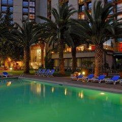 Отель Lisbon Marriott Hotel Португалия, Лиссабон - отзывы, цены и фото номеров - забронировать отель Lisbon Marriott Hotel онлайн бассейн