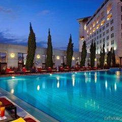 Sheraton Amman Al Nabil Hotel бассейн