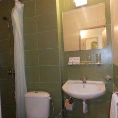 Отель Olimpia Supersnab Hotel Болгария, Балчик - отзывы, цены и фото номеров - забронировать отель Olimpia Supersnab Hotel онлайн ванная фото 2