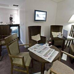 Mercure Newbury West Grange Hotel интерьер отеля