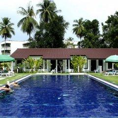 Отель Nai Yang Beach Resort & Spa бассейн фото 3
