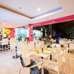 Отель The Par Phuket питание фото 2
