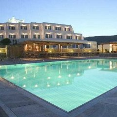 Yiannaki Hotel бассейн