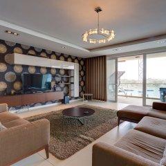 Отель Contemporary, Luxury Apartment With Valletta and Harbour Views Мальта, Слима - отзывы, цены и фото номеров - забронировать отель Contemporary, Luxury Apartment With Valletta and Harbour Views онлайн комната для гостей