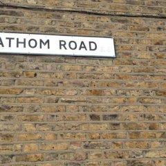 Отель Lathom Cottage Лондон сауна