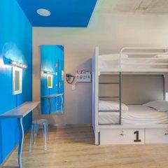 Отель Generator Berlin Mitte Кровать в женском общем номере фото 4