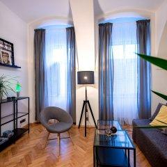 Апартаменты Friday Songs Apartments комната для гостей фото 4