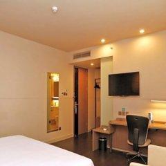 Отель Jinjiang Inn Shenzhen Huanggang Port Китай, Шэньчжэнь - отзывы, цены и фото номеров - забронировать отель Jinjiang Inn Shenzhen Huanggang Port онлайн удобства в номере