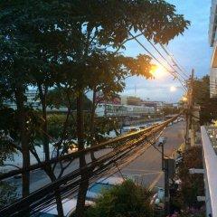 Отель Baan Manusarn Бангкок балкон