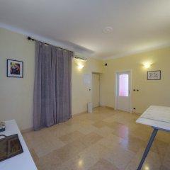 Отель Hintown Castelletto City Генуя комната для гостей фото 4