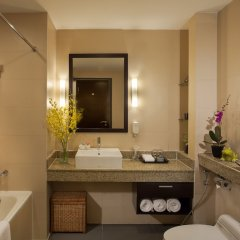 Отель Somerset Hoa Binh Hanoi ванная