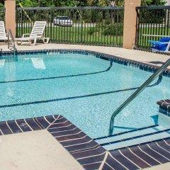 Отель Comfort Suites Saraland бассейн фото 2