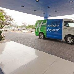 Отель Holiday Inn Express Guadalajara Iteso городской автобус