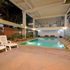 Отель Boss Mansion Бангкок бассейн