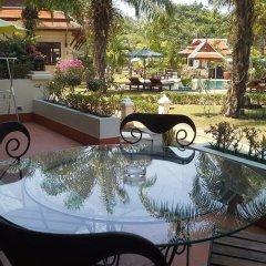 Отель The Pe La Resort Камала Бич балкон