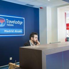 Отель Travelodge Madrid Alcalá интерьер отеля
