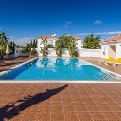 Отель Ayia Triada View Кипр, Протарас - отзывы, цены и фото номеров - забронировать отель Ayia Triada View онлайн бассейн фото 3