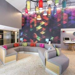 Отель Bizotel Bangkok Бангкок интерьер отеля