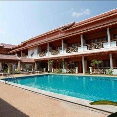 Vansana LuangPrabang Hotel бассейн