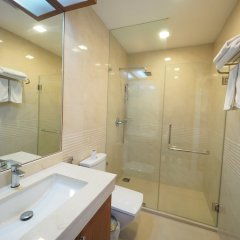 Отель Q Conzept Condominium пляж Ката ванная