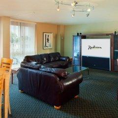 Отель Radisson Jfk Airport США, Нью-Йорк - отзывы, цены и фото номеров - забронировать отель Radisson Jfk Airport онлайн комната для гостей фото 3