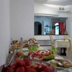 Отель Garni Hotel Villa Family Сербия, Белград - отзывы, цены и фото номеров - забронировать отель Garni Hotel Villa Family онлайн питание фото 3